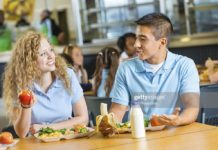 Most Of The Women Go On A Date To Eat For Free